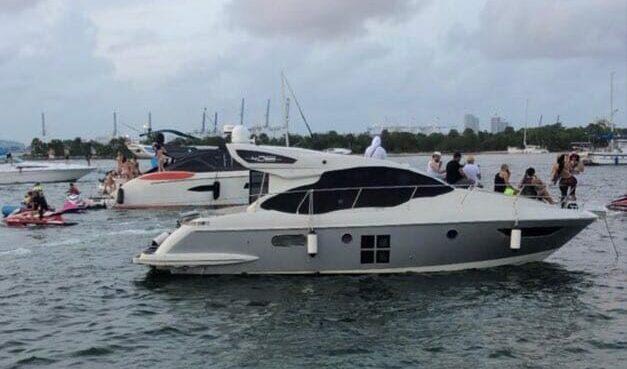 42' Azimut Luxury Yacht Charters Miami