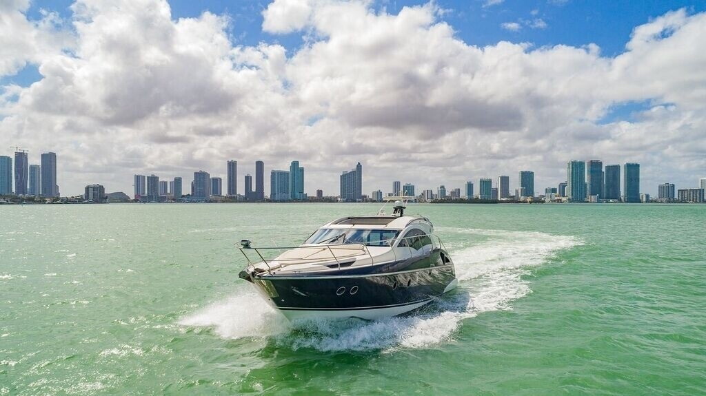 43' Marquis Miami Luxury Yacht Charters