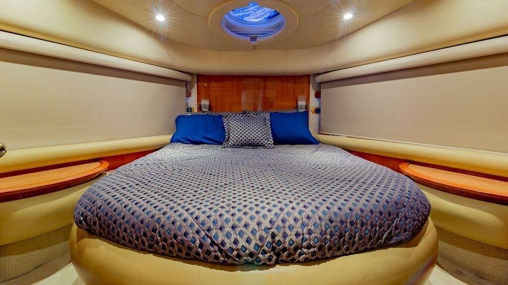 55' Azimut Luxury Yacht Charters Miami
