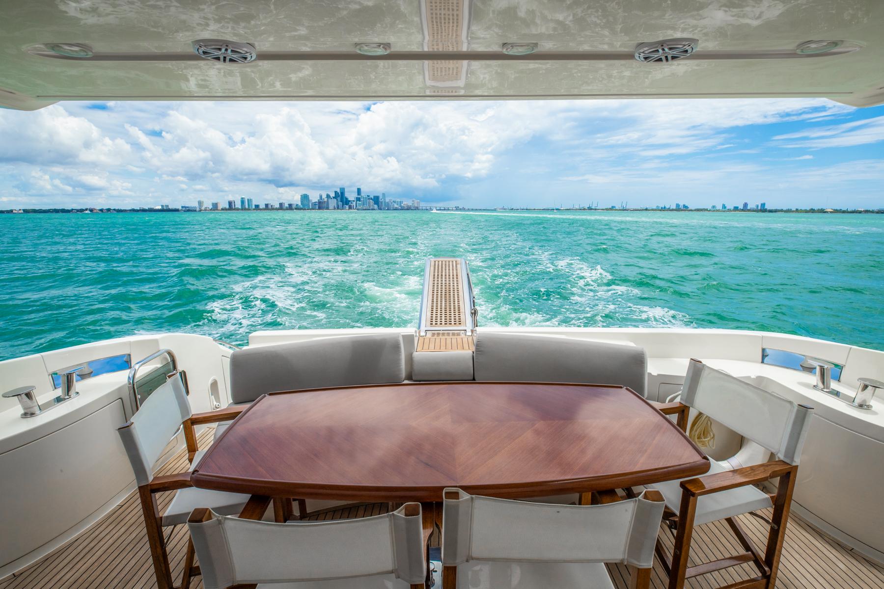 62 azimut Luxury Yacht Charters Florida 1