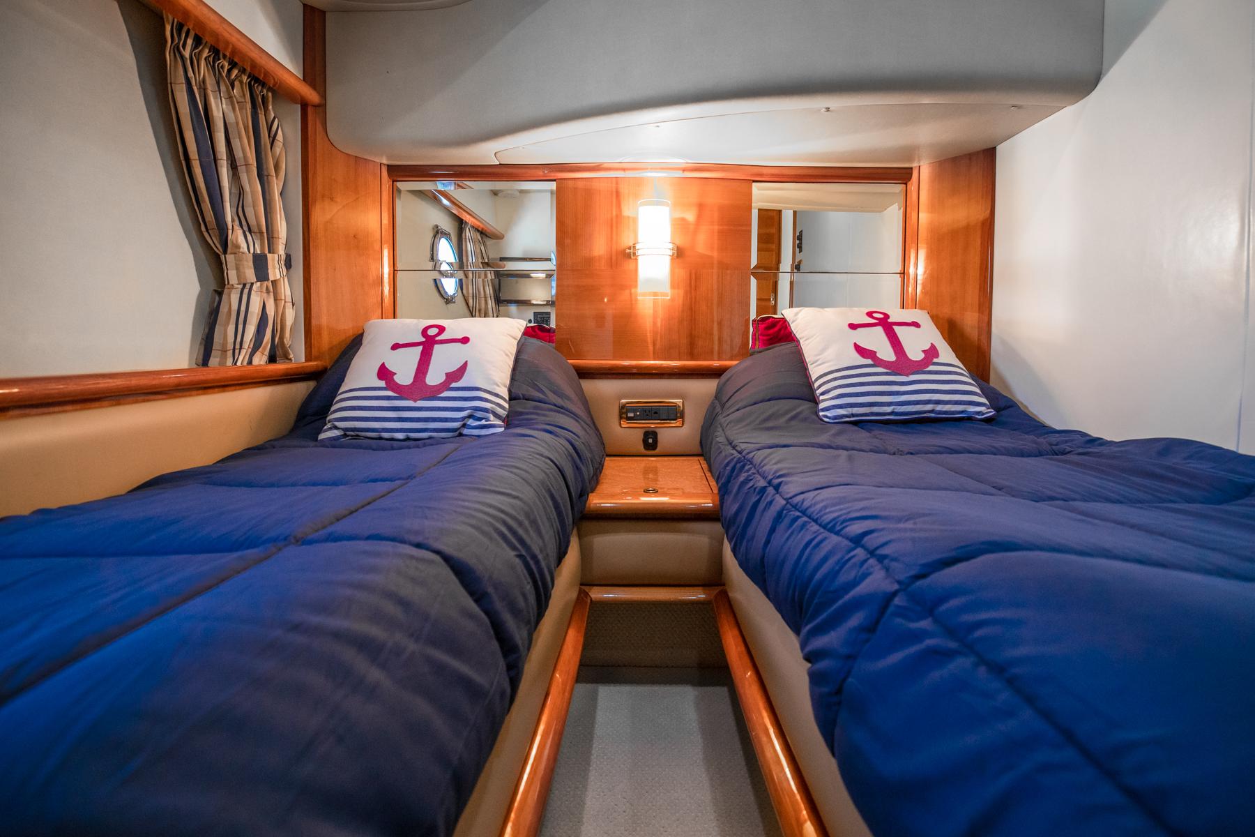 62 azimut Luxury Yacht Charters Florida 4